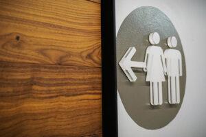 washroom-signage-acrylic