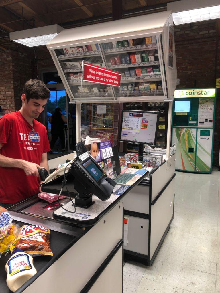 sneeze-guards-cashiers